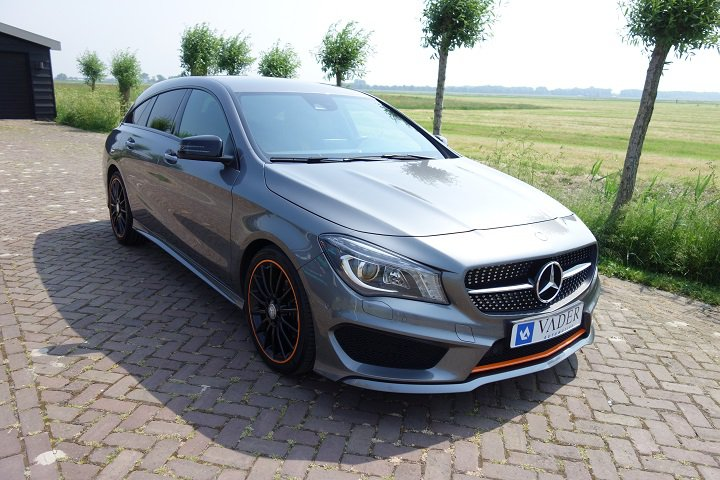 Mercedes-Benz CLA 180 Shooting Brake OrangeArt Edition AMG