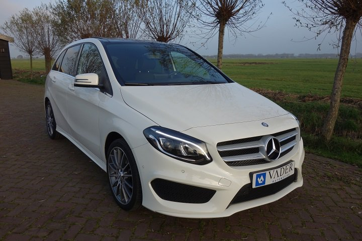 Mercedes-Benz B180 Aut. AMG Ambition Line Panoramadak Navi LED